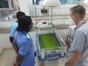 In een ziekenhuis in Malawi werkt een proefopstelling van de monitoringstechniek die GOAL3 ontwikkelt.