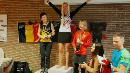 Straf! Lerares godsdienst Adinda (37) loopt 208 kilometer in 24 uur en kroont zich Belgisch kampioene