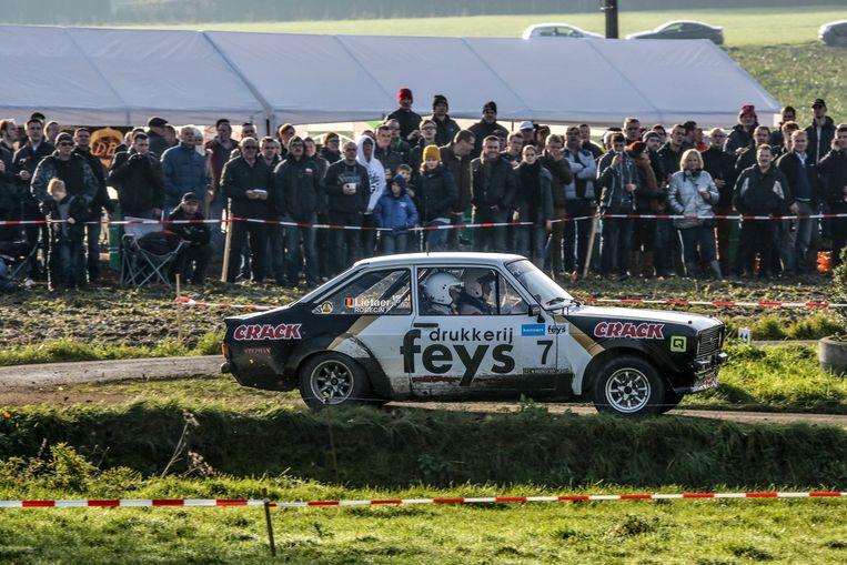 """Er wordt per jaar maar één autocross toegelaten op Zwevegems grondgebied. """"Het zal alvast niet de Rally van Kortrijk zijn"""", wist burgemeester Doutreluingne al te zeggen."""