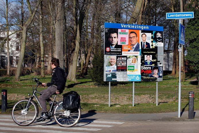 In Asperen, maar ook in alle andere dorpen en steden is de verkiezingskoorts nu ook in het straatbeeld te zien.