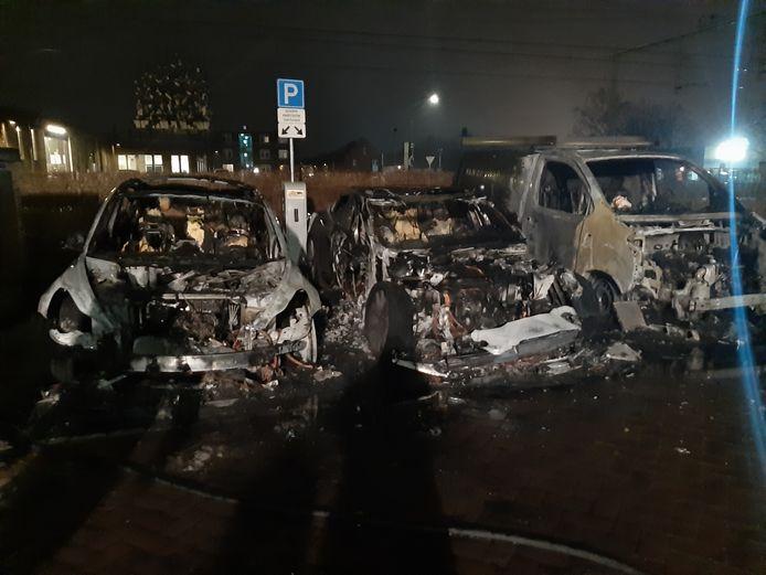 Brandstichting op parkeerplek aan de Blokshekken in Oisterwijk.