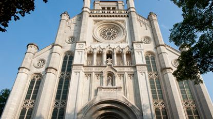 PVDA start petitie tegen Delhaize in Sint-Annakerk