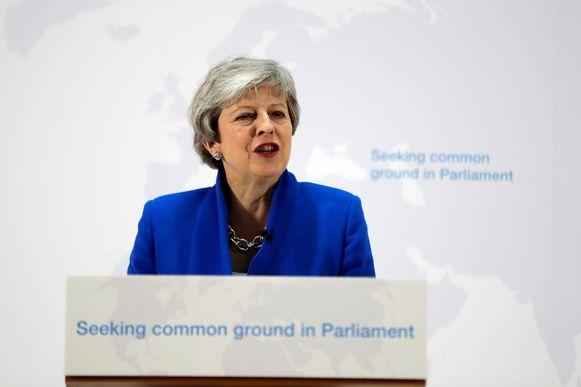 Premier May stelt haar nieuwe brexitdeal voor aan de pers in Downing Street.