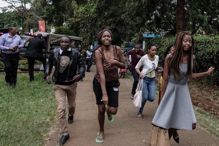 Universiteitsstudenten worden geëvacueerd.