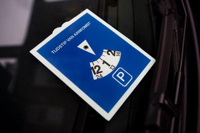 Automobilisten in Oud-Beijerland mogen voortaan dubbel zo lang parkeren in de blauwe zones.