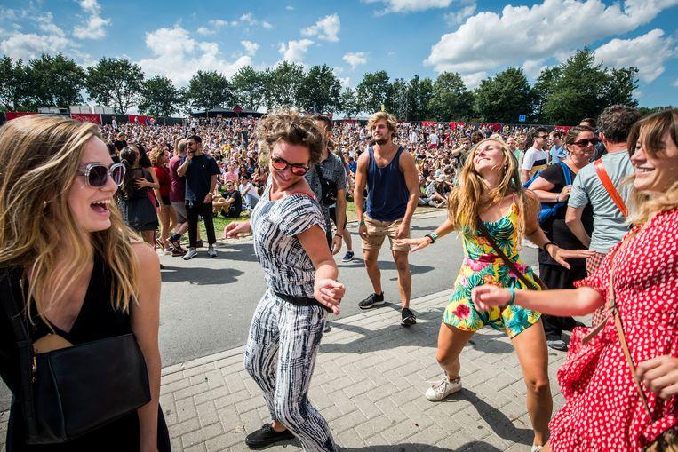 Festivalgangers op Lowlands in 2018. Beeld ANP Kippa