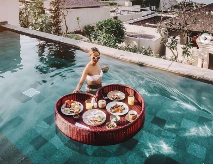 Le petit-déjeuner sur l'eau: cool ou kitsch?