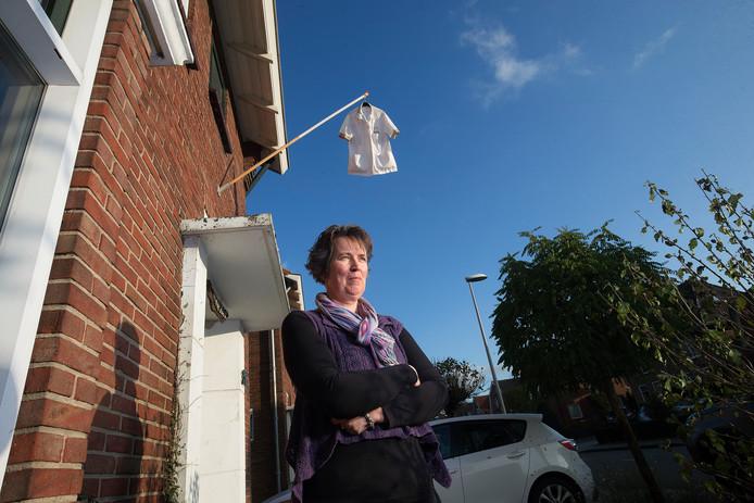 Saskia Oonk-Heijnen uit Winterswijk, een van de verzorgenden die aan de landelijke actiedag van de zorg meedoet.