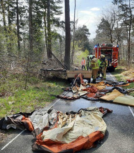 Brand in vouwcaravan in Nunspeet: caravan verloren
