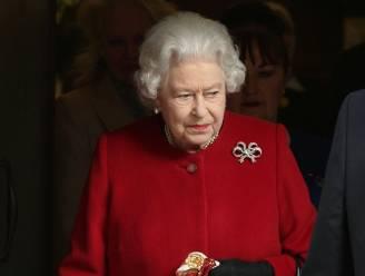 Britse pers verbijsterd door 'leugens' van Buckingham Palace over ziekenhuisopname van de Queen