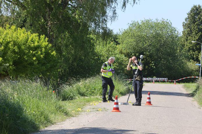 Politie doet onderzoek naar het dodelijk ongeluk in Zaltbommel