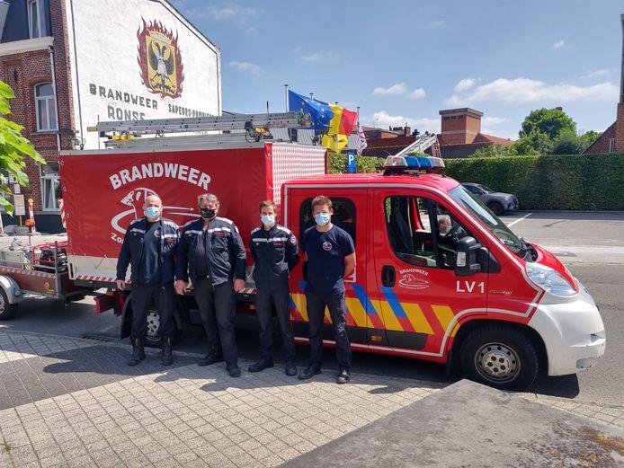 De brandweerpost Ronse haalde op de zaterdagmarkt ook nog 's 2.300 euro op.