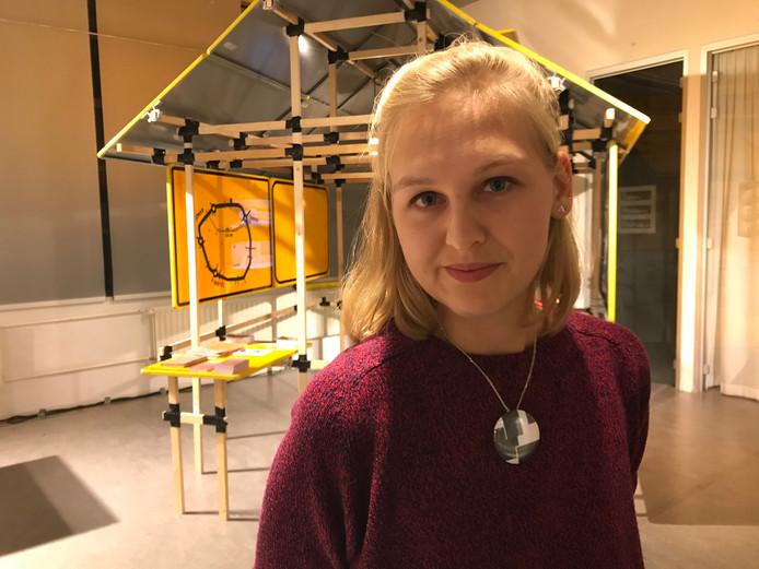 Lisanne Koning bedacht een speelgoedbouwpakket dat mee kan in een noodpakket voor vluchtelingen.