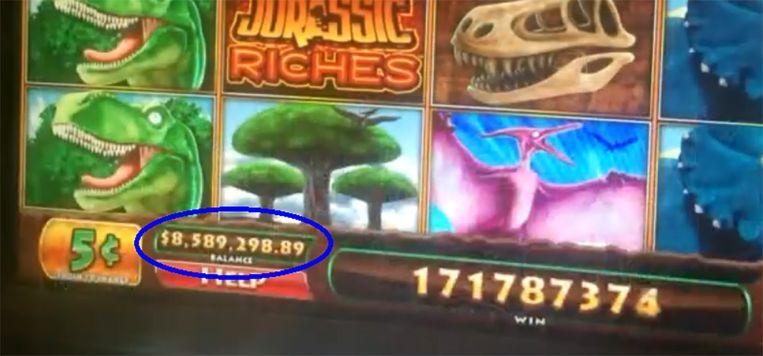 Veronica had volgens de display 8,5 miljoen gewonnen, maar ging naar huis met 80 dollar. Beeld YouTube