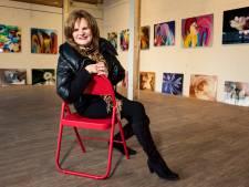 Vinkeveense Yvonne Louise Siemerink (72) realiseert galerie in winkelcentrum