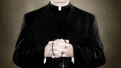 Amerikaanse grand jury identificeert meer dan 300 'pedopriesters' op basis van geheime archieven. Dit zijn de 5 ergste verhalen