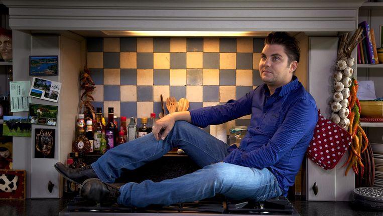 Jeroen Meus gaat in 'De Patat' op culinaire ontdekkingstocht naar de geschiedenis van de aardappel. © VRT 2011 Nyk De Keyser Beeld UNKNOWN
