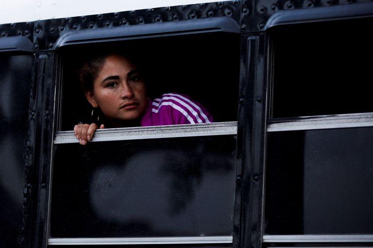 Steeds meer vrouwen ondernemen alleen de vluchtroute van Zuid-Amerika naar de VS.Onderweg worden ze vaak aangerand en mishandeld. Beeld Anadolu Agency