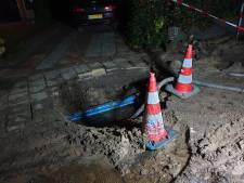 Vitens vervangt met spoed waterleidingen Kometenlaan in Bilthoven