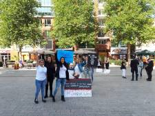 Demonstratie tegen pedofielen op Plein 44 in Nijmegen: 'Save our children'