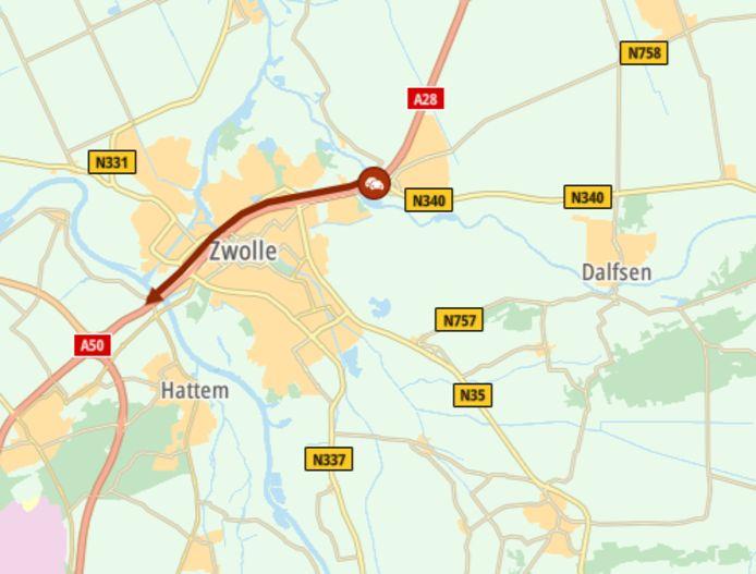 Door een ongeluk bij Brug Katerveer II staat er een flinke file op de A28 rondom Zwolle.