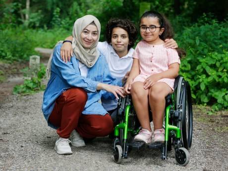 Layan (13), Karam (12) en hun moeder moeten 'terug' naar Marokko, waar ze niemand kennen