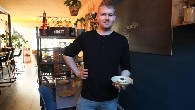 Chef-kok Alex Buiten van Escobar in Breskens maakt geestverruimende zalmtartaar