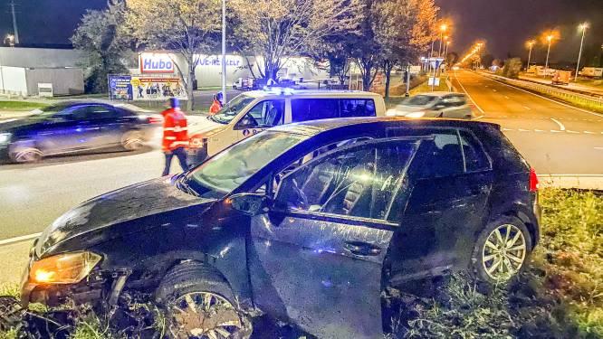 Chauffeur naar ziekenhuis na crash tegen rotonde Samsonite in Oudenaarde