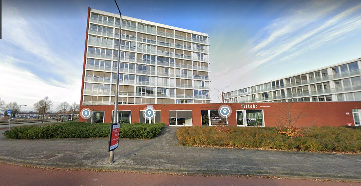 Twee appartementen in het complex De Hofwachter op de hoek van de Getfertsingel en de Zuiderval staan te huur bij De Woonplaats. Kalehuurprijs: 910 euro.