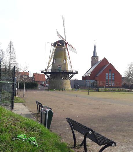 Een school én dorpshuis naast de molen in Hoek is geen haalbare kaart