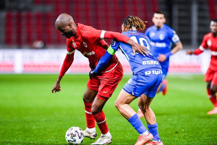 Didier Lamkel Zé manquera, au minimum, le deuxième match des Champions Playoffs.