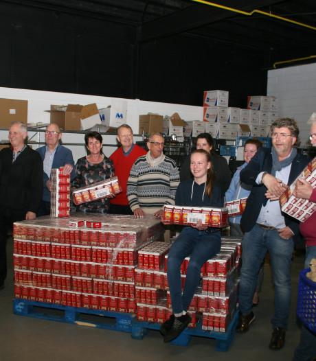 Voedselbanken Vechtdal schenken 2325 pakken koffie dankzij DE-punten Lions