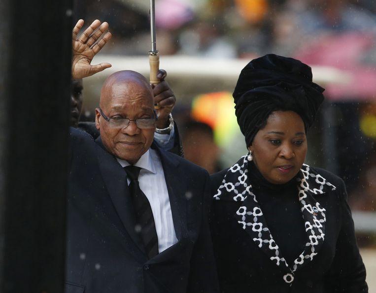 Zuma arriveert bij de herdenkingsdienst Beeld ap