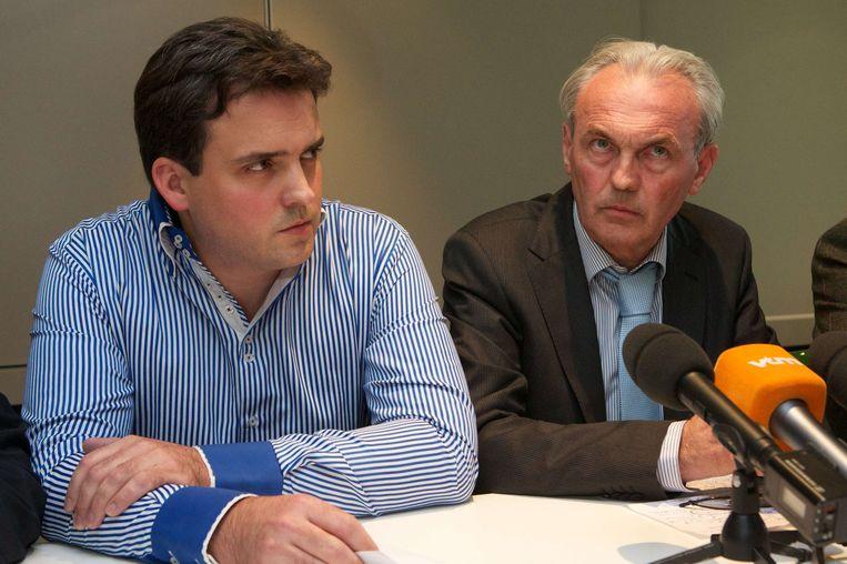 Dokter André Gyselbrecht en zijn zoon Peter gaven op 5 september 2012 een éénmalige persverklaring. Beeld AFP