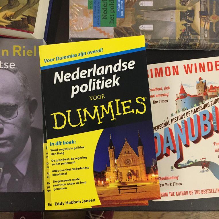 Nederlandse politiek voor dummies: boek in het bezoekerscentrum van ProDemos. Beeld
