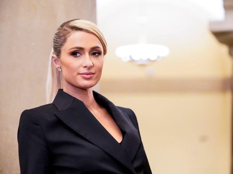 """Paris Hilton a été """"étranglée, giflée, espionnée sous la douche"""""""