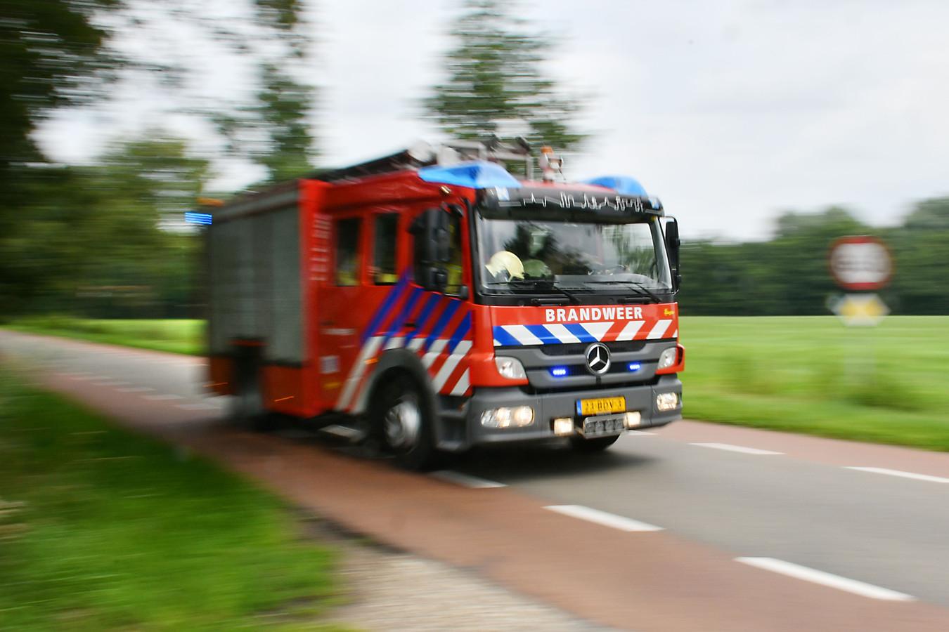 Brandweer stock brand brandweerkazerne uitruk zwaailicht tankautospuit brandweerman buitengebied twente 112 - Stock - Gebruik vrij DPG Media  Foto Carlo ter Ellen DPG Media CTE20210720