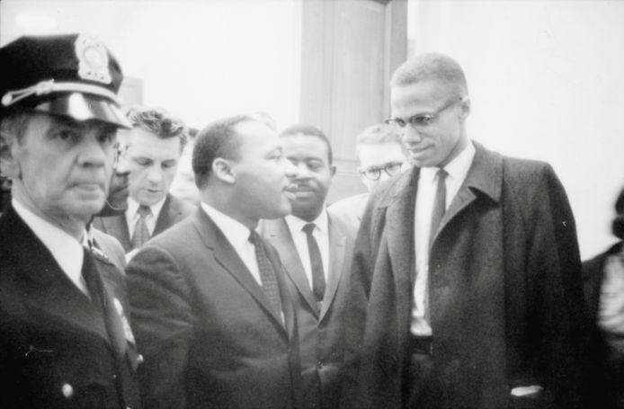 Martin Luther King Jr. en Malcolm X in maart 1964.