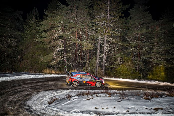 11 Thierry NEUVILLE (BEL), Martijn Wydaeghe (BEL), HYUNDAI SHELL MOBIS WORLD RALLY TEAM, HYUNDAI I20 Coupé WRC, WRC ,action during the 2021 WRC World Rally Car Championship, Monte Carlo rally on January 20 to 24, 2021 at Monaco - AUTOMOBILE : WRC MONTE CARLO RALLYE 2021 - 22/01/2021 © PanoramiC ! only BELGIUM !
