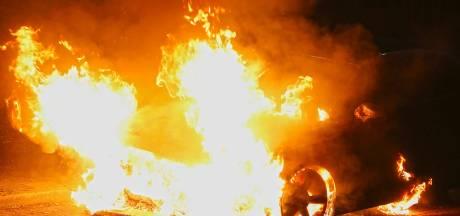 Eigenaar uitgebrande auto Oss verdenkt nachtelijke trimmer van betrokkenheid