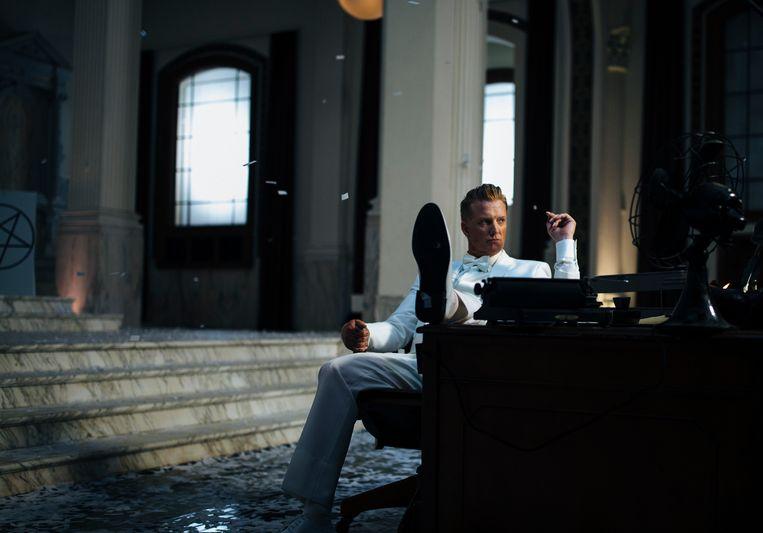 Josh Homme: 'Van religie lust ik geen brood, maar ik geloof wel in de magie van het leven en de dood. Alles wat gebeurt, gebeurt voor een reden.' Beeld rv Andreas Neumann