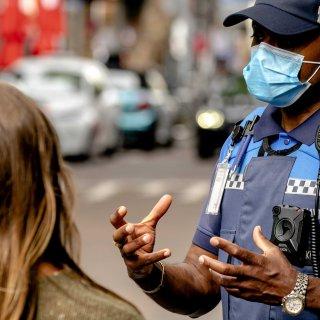 Politie schrijft veel minder coronaboetes uit: 480 in afgelopen drie maanden
