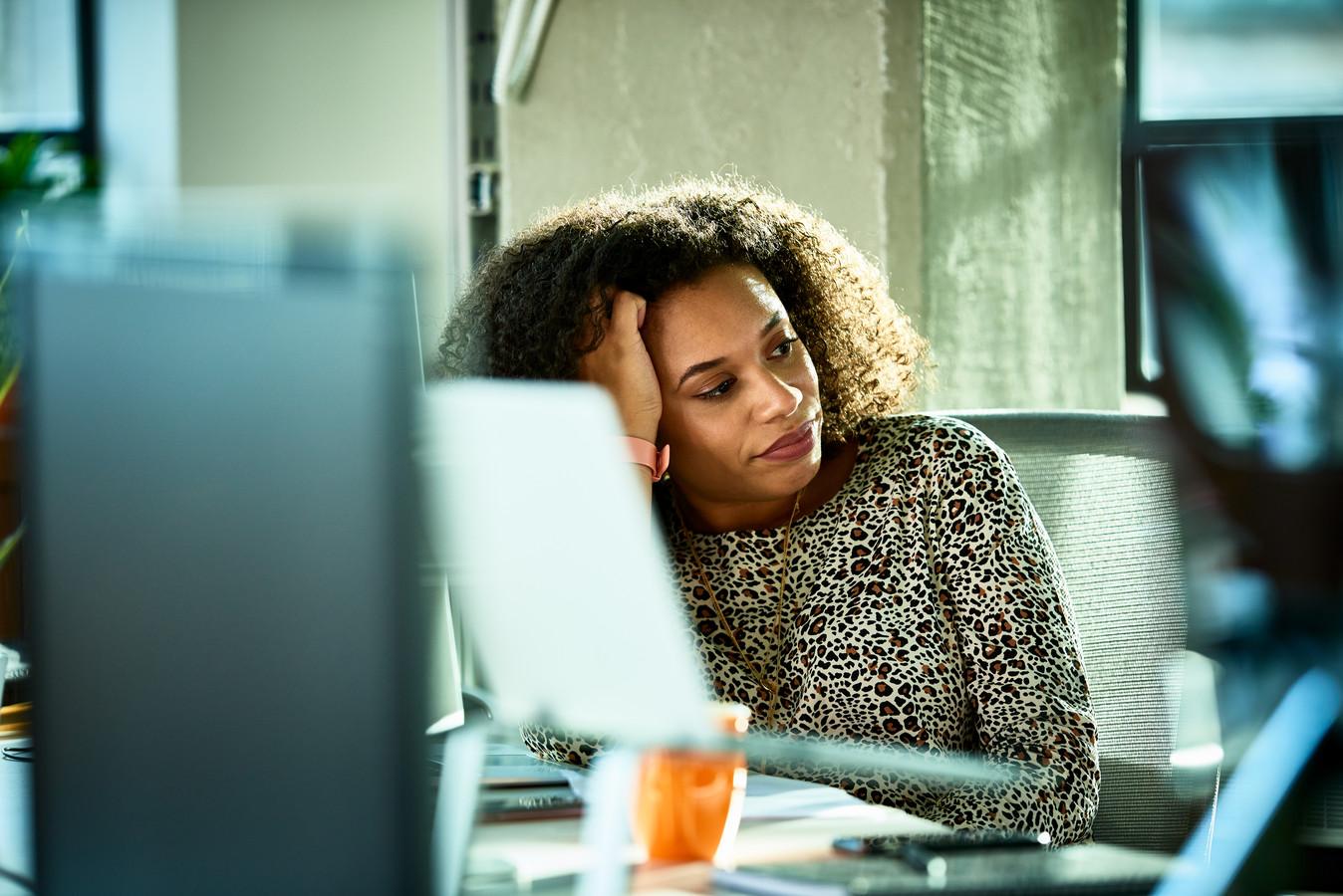 Het is voor de jongere generaties niet langer meer vanzelfsprekend dat voor het werk alles opzij moet, zegt psycholoog Thijs Launspach.