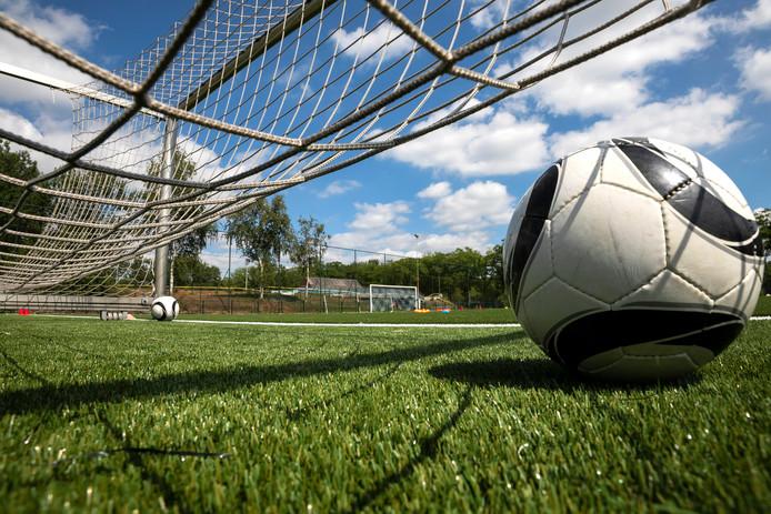 De trainingen van GA Eagles worden woensdag en donderdag op kunstgras afgewerkt.