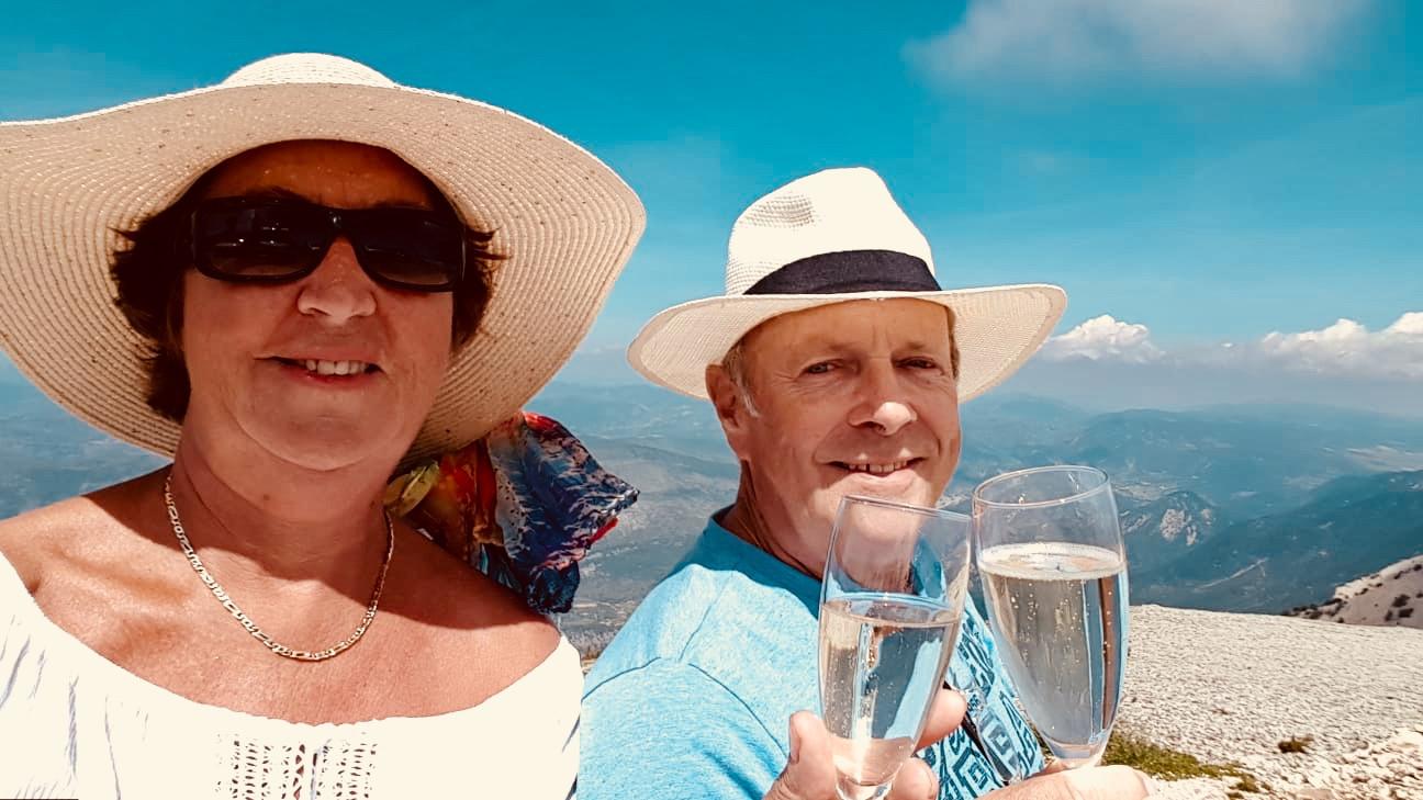 Ondanks zijn ziekte bleef John een echte levensgenieter. Lekker eten, een wijntje en vaak op vakantie.