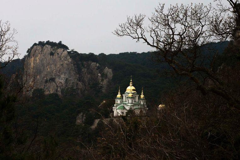 De St. Michael Kerk in de bergen nabij de kustplaats Jalta. Beeld REUTERS