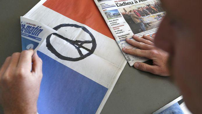 45 procent van de ondervraagden zegt zich na de aanslagen in Parijs minder veilig te voelen