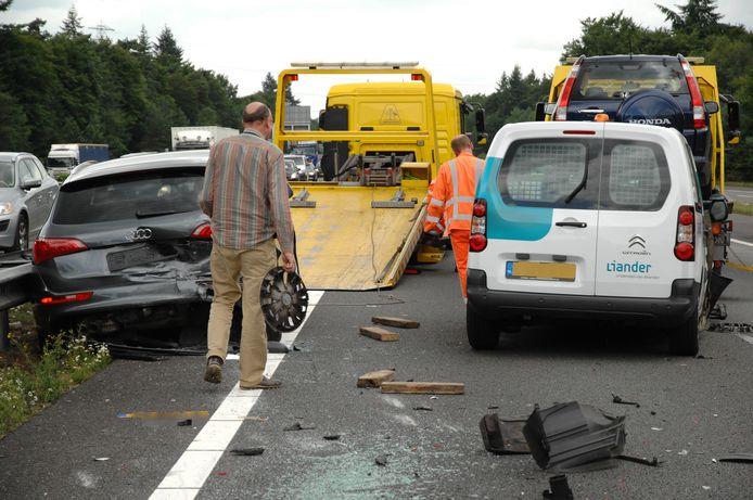 Ravage na het ongeluk op de A12.