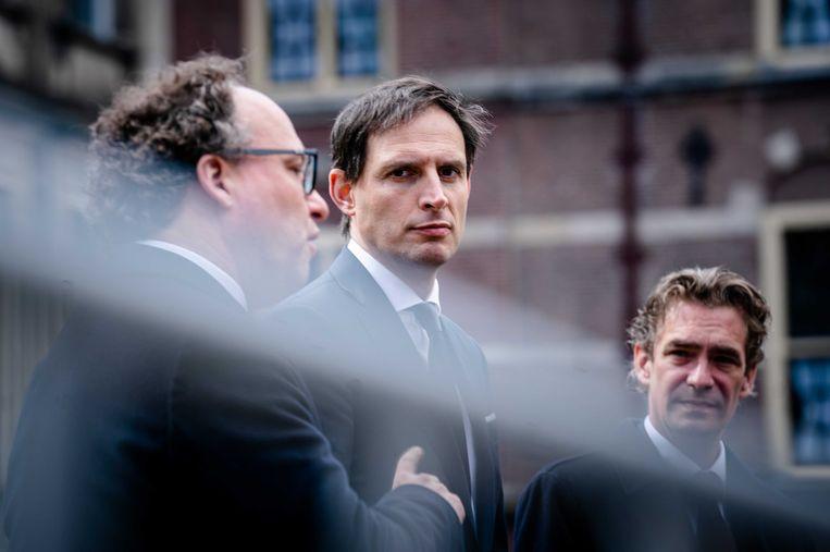 Van links naar rechts: minister van Financiën Wopke Hoekstra, minister van Sociale Zaken en Werkgelegenheid Wouter Koolmees en minister van Economische Zaken en Klimaat Bas van 't Wout.   Beeld ANP - Bart Maat
