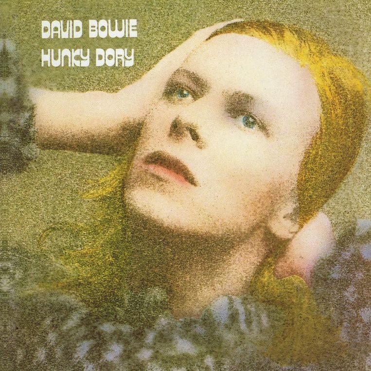 David Bowie liet zich voor de cover van 'Hunky Dory' inspireren door Marlene Dietrich. Beeld rv